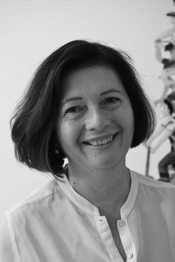 Dr. Roesch - Expertin für Kinderorthopädie
